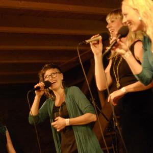 Kongero (Anna Wikenius, Lotta Andersson, Lovisa Liljeberg, Emma Björling)