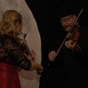 Mia & Mikael Marin