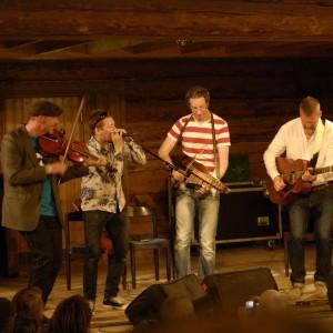 Väsen (Mikael Marin, Magnus Stinnerbom(gäst), Olov Johansson, Roger Tallroth