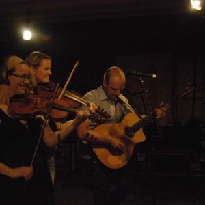 MP3 (fr v Nina Pérez, Mia Marin, Mattias Pérez)