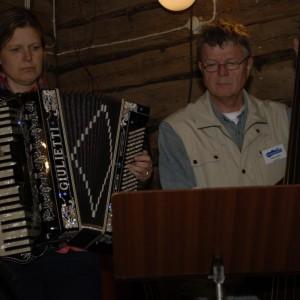 Hara Spelmanslag.1 Christina Lundqvist och Håkan Hjerdt