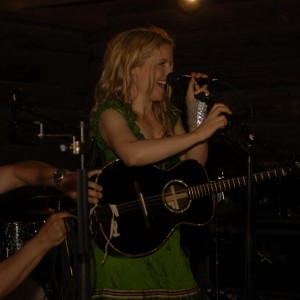 Outhouse Allstars med Sofia Karlsson 2